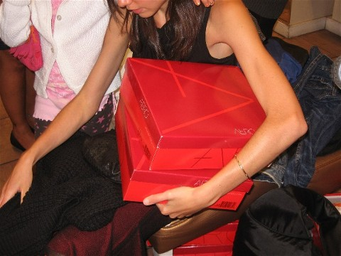 Aerosoles-in-Store-HIV-Event11