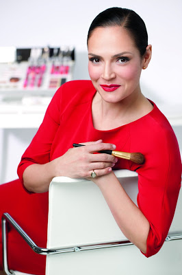 rebecca-restrepo-elizabeth-arden-global-makeup-head-shot