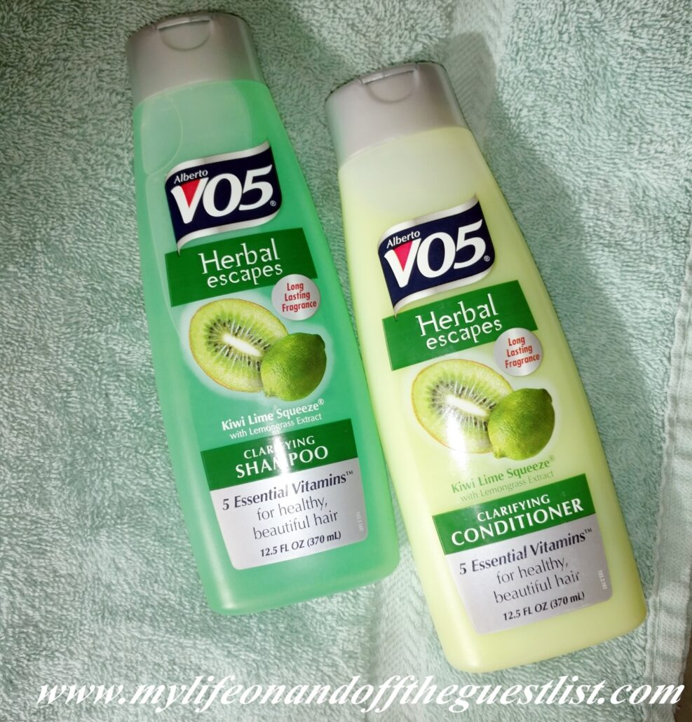 VO5_Herbal_Escapes_Clarifying_Shampoo_and_Conditioner_www.mylifeonandofftheguestlist.com