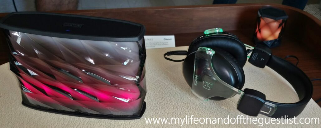 iHome_Color_Changing_Bluetooth_Wireless_Speaker_and_Headphones_www.mylifeonandofftheguestlist.com